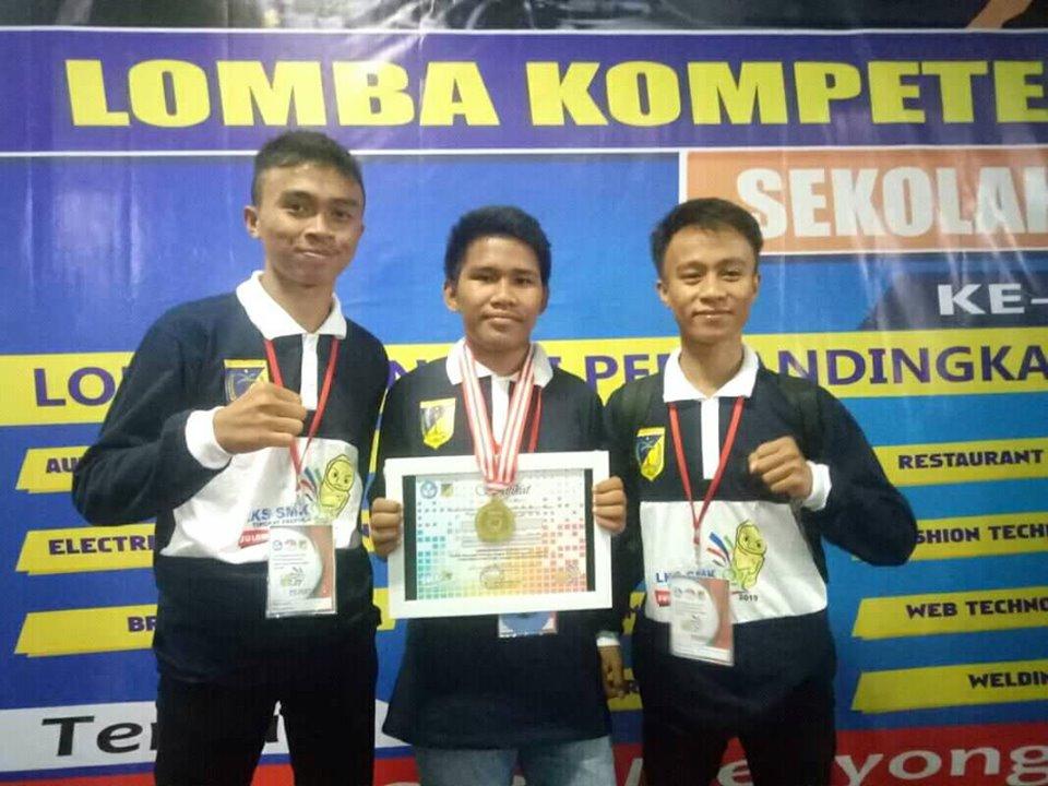 Juara I LKS IT Software Solution Tingkat Propinsi Sulawesi Tengah Tahun 2019